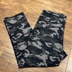 Fabletics camo Capri leggings
